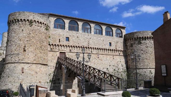 Il Castello di Civitacampomarano